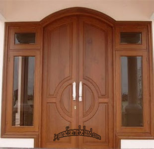 Daun Pintu Utama