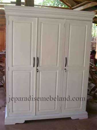 Lemari Pakaian Minimalis 3 Pintu Cat Putih
