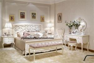 Set Tempat Tidur Pengantin