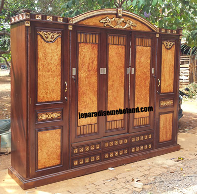 Furniture Samarinda Lemari Pakaian 5 Pintu